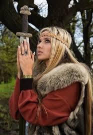 Викинги одевались в персидский шелк?
