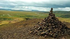 Две веры викингов на камнях